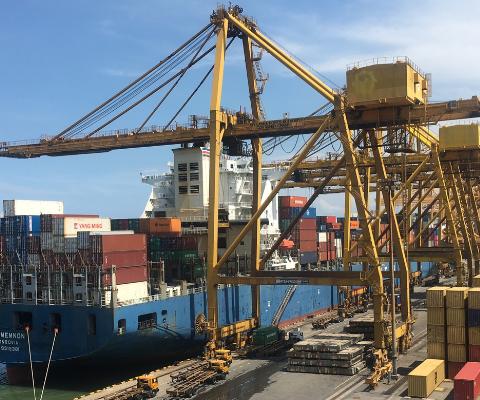 Jenis Kendaraan yang Digunakan untuk Mengirim Barang Cargo